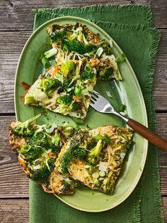 Brokkoli-Käse-Pfanne, Low-Carb, ein gutes Rezept mit Bild aus der Kategorie Trennkost. 53 Bewertungen: Ø 4,3. Tags: Braten, Ei, Eier, einfach, Gemüse, Hauptspeise, Schnell, Studentenküche, Trennkost, Vegetarisch
