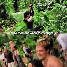 And my bby with his shirt off 😏😘😍 Hunger Games Memes, Hunger Games Cast, Hunger Games Fandom, Hunger Games Catching Fire, Hunger Games Trilogy, Katniss And Peeta, Katniss Everdeen, Josh Hutcherson, Jennifer Lawrence