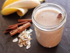 Home Skillet - Cooking Blog: Banana and Almond Smoothies