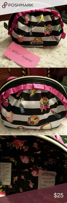 NWT -  Betsy Johnson Cosmetic Case Super cute!  Pink And Black Striped Cosmetic Case  Great condition Betsy Johnson  Bags Cosmetic Bags & Cases