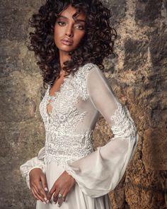 "Pnina Tornai on Instagram: ""A little boho. A little romantic. #OneCollection Gown: #Style4866PT Coming to @kleinfeldbridal January 2021 📸 @dvirka2 💄 @ortalelimeleh1…"" Bohemian Style Wedding Dresses, Chiffon Wedding Gowns, Stunning Wedding Dresses, Bohemian Wedding Dresses, Wedding Dress Sleeves, Bridal Style, Dresses With Sleeves, Dress First, Silk Chiffon"
