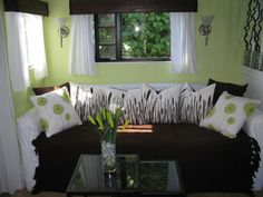 Here are the Rv Living Room Decor Ideas. This post about Rv Living Room Decor Ideas was posted under the Living Room category by our team at February 2019 at am. Hope you enjoy it and don't forget . Glamping, Trailer Decor, Camper Interior, Interior Design, Interior Ideas, Modern Interior, Interior Colors, Trailer Interior, Diy Rv