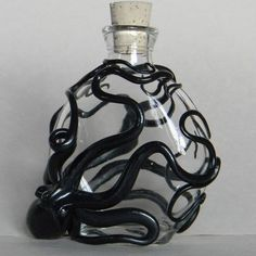 *The Kraken Hatchery perfume flask Glassware & Sculpture. Each Kraken is sculpted individually, onto its glass, then hand painted and glossed. 3d Cnc, Ideias Diy, Gothic House, Clay Crafts, Glass Art, Perfume Bottles, Glass Bottles, Cool Stuff, Octopuses