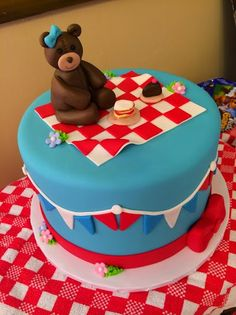 My daughter wanted a Teddy Bear Picnic for her 3rd Birthday Party. This was actually one of the easiest and most inexpensiv...