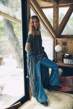Free People Holiday November 2015 Up at the Lodge 5 Winter Mode Outfits, Winter Fashion Outfits, Boho Outfits, Denim Fashion, New Outfits, Autumn Winter Fashion, Boho Fashion, Fall Winter, Fashion Shoot