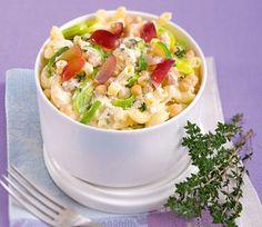 Hörnchennudeln mit Kichererbsen-Feta-Soße und Trauben   Blog Köstlich Vegetarisch