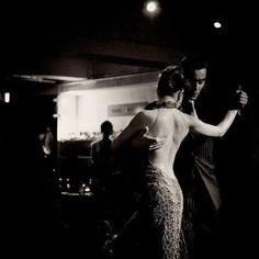 Seduction by Tango Shall We Dance, Lets Dance, Electro Swing, Tango Dancers, Photographie Portrait Inspiration, Yoga Pilates, Dance Movement, Argentine Tango, Salsa Dancing