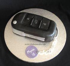 Audi car key cake