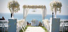 Karen Tran designed wedding florals at the Terranea Resort, Rancho Palos Verdes, California