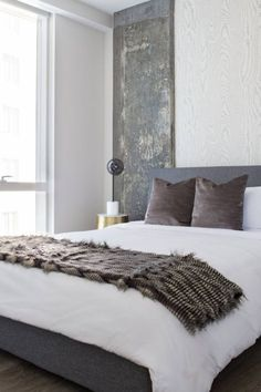 25 Gray and Blue Master Bedroom Decor Ideas - modern rustic simple decor with cozy throw Blue Master Bedroom, Grey Bedroom Decor, Bedroom Decor On A Budget, Woman Bedroom, Diy Home Decor, Bedroom Ideas, Master Bedrooms, Condo Bedroom, Bedroom Inspiration