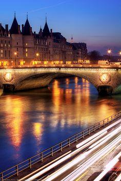 La Conciergerie, Pont Au Change, Paris, France |