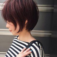 ピンク/パープル☂️ cut @nori190 colorassist @rio__acqua Pretty Hairstyles, Bob Hairstyles, Hairdos, Japanese Short Hair, Girl Short Hair, Cool Haircuts, Pixie Haircut, Hair Art, Cut And Color