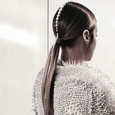 Pearls Hair Braut – Tutorial Per Capelli Bad Hair, Hair Day, Inspo Cheveux, Runway Hair, Make Up Braut, Editorial Hair, Beauty Editorial, Mohawk Hairstyles, Pearl Hair
