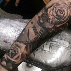 Tattoo clock with roses in 3D - http://tattootodesign.com/tattoo-clock-with-roses-in-3d/ | #Tattoo, #Tattooed, #Tattoos