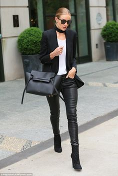Rosie Huntington-Whiteley highlights her lean legs in a pair of figure-hugging leather trousers as she puts on an effortlessly chic display in New York Star Fashion, Fashion Models, Fall Fashion, Fashion Trends, Burberry, Lean Legs, Victoria's Secret, Monochrome Fashion, Rosie Huntington Whiteley