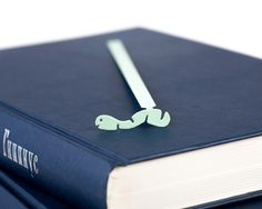 Light green bookmark by Dvolsh  Segnalibro verde chiaro di Dvolsh