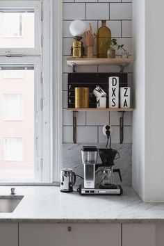 my scandinavian home: Monochrome touches in a Stockholm pad Decor, Stylish Kitchen, Kitchen Interior, Interior, Scandinavian Home, Home Decor, House Interior, Home Kitchens, Interior Design
