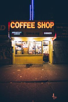 Night time coffee run aesthetic shop, diner aesthetic, neon aesthetic, will darbyshire, Urban Photography, Night Photography, Street Photography, Urbane Fotografie, Travel Photographie, Neon Licht, Neon Lighting, Dramatic Lighting, Mellow Yellow