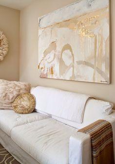 decorology: Stephanie Bradshaw's gorgeous, feminine apartment