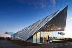 5G studio folds angular roof over legacy ER in allen texas