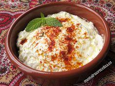 Haydari, salsa turca de yogur - http://www.monstruorecetas.es/2015/06/haydari-salsa-turca-yogur.html