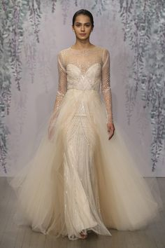 Monique Lhuillier Fall 2016 Collection - Langham love the feel and its color #weddingdress #wedpin