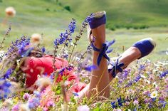 Field of Dreams-PLEASE just throw me in the flowers and let me stay forever! Summer Of Love, Summer Time, Spring Time, Spring Song, Field Of Dreams, Photos Voyages, Lavender Fields, Shades Of Blue, Champs