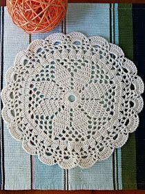 Graph pattern La ventana azul: Mandala a crochet Free Crochet Doily Patterns, Crochet Placemats, Crochet Circles, Crochet Chart, Crochet Squares, Thread Crochet, Filet Crochet, Crochet Motif, Crochet Designs