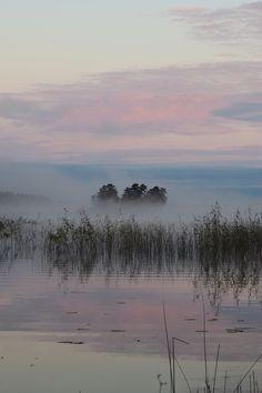 Köp fotokonst & posters - Printler - Ajisa Letic - Mystisk sjö
