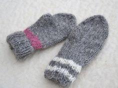 Ravelry: Kid's mitts/Barnvantar pattern by Ann Linderhjelm Knit Mittens, Mitten Gloves, Baby Barn, Baby Knitting Patterns, Ravelry, Knit Crochet, Wool, Sewing, Creative