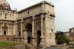 Arch of Septimius, Roman Forum, 203. This is the first three arcuated entrances Arch in Rome. Severus built this Arch to commemorate his victory of 195 and 199 in war with Parthians. However, in a renewed campaign in 217, Macrinus was defeated by the army of Parthian Empire. Parthian Empire, Roman Forum, Roman Architecture, Ancient Romans, Roman Empire, Big Ben, Rome, Entrance, Campaign