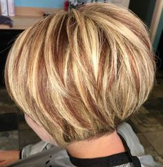 Short Hair - Hair Color Trends 2018 Highlights : The red underneath Reddish Brown Hair Color, Brown Blonde Hair, Brown Hair Colors, Dark Hair, Burgundy Hair, Hair Colour, Dark Brunette, Brunette Color, Dark Blonde