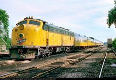 Lots of trains and train stuff. N Scale Model Trains, Train Posters, Railroad Pictures, Union Pacific Railroad, North Western, Railroad Photography, Electric Train, Train Engines, Diesel Locomotive