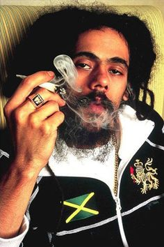 Damian Marley 🇯🇲 singer songwriter and the youngest son Of Jamaican 🇯🇲 Superstar Bob Marley Damian Marley, Marley Brothers, Reggae Bob Marley, Marley Family, Famous Legends, Robert Nesta, Nesta Marley, The Wailers, Reggae Music