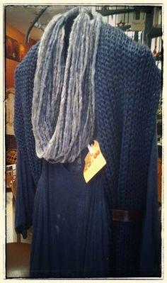 Sono tornate le mitiche collane in lana. Fatte a mano