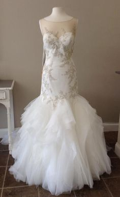 BRAND NEW! Never been worn!!!! Just received from the bridal shop Simply Elegant in St. Louis, MO. Has not had any alterations. Pronovias Prival Wedding Dress 2016 Collection Tulle skirt Sweetheart ne