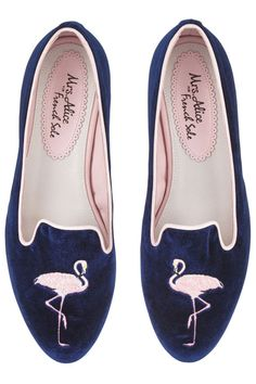 21 Velvet Slippers That Will Make All Your Looks Cool Ballerina Pumps, Ballerinas, Ballet Flats, Velvet Slippers, Velvet Shoes, Navy Blue Shoes, Navy Flats, Girls Shoes, Ladies Shoes