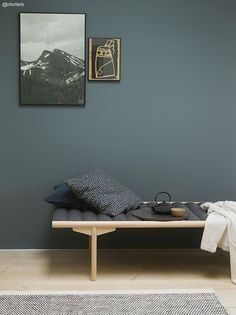Fine veggfarger / new wall paint colours Wall Colors, House Colors, Colours, Nordic Living, Home Living, Living Room, St Pauls Blue, Jotun Lady, Blue Walls