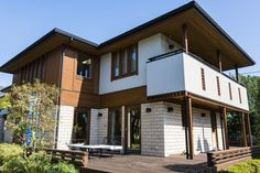 細かいことまで何でも気になるA型気質に、こだわりの強さがプラスされたちょっと厄介な家づくりマニア… Real Estate, Mansions, House Styles, Outdoor Decor, Home Decor, Decoration Home, Manor Houses, Room Decor, Real Estates
