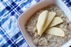 $2 Meal Week day 4: Banana Oatmeal with Steamed Apple