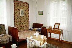http://www.dwory-polskie.pl/x.php/1,35/Wnetrza-i-atmosfera-dworu.html