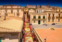 L'infiorata di Noto. Floral arrangement of #Noto #Sicily, Italy #sicilyevents