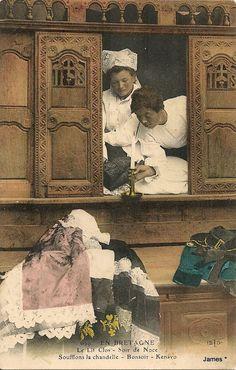 Rococo Furniture, Vintage Furniture, Antique Photos, Old Photos, Paranormal, Photo Bretagne, Bed Nook, Celtic Nations, Victorian