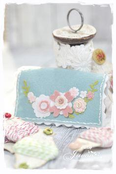 Jiwon Crafts Blog: Flower needle case