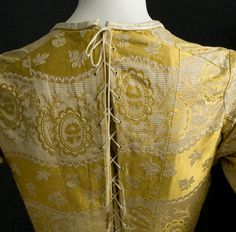 Victorian Clothing at Vintage Textile: #2592 Bustle gown