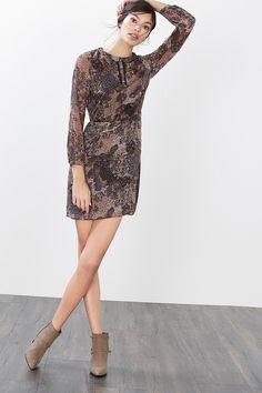 Esprit - Kleid aus luftigem Crinkle-Chiffon im Online Shop kaufen