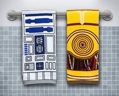 IN PRIME CONDITION! A REAL BARGAIN!  From Thinkgeek:  Opt for this Star Wars Hand Towel Set - R2-D2 & C3PO that reflects your sense of decor, not someth