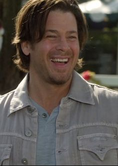 This is Christian Kane actor, singer, songwriter, stuntman, cook!  pic screen capped by ladee leverage.