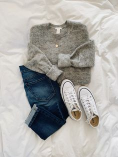 Lilly & Grant - Classic and simple ? Lilly & Grant - Classic and simple ? Mode Outfits, Casual Outfits, Fashion Outfits, Womens Fashion, Fashion Trends, Casual Shopping Outfit, Fashion Flatlay, Converse Fashion, Simple Outfits