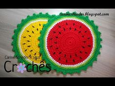 Crochet Washcloth - Easy to crochet baby cardigan / Crochet baby sweater (Video Crochet Diy, Crochet Home, Crochet Motif, Crochet Designs, Crochet Crafts, Crochet Doilies, Crochet Flowers, Crochet Projects, Crochet Patterns